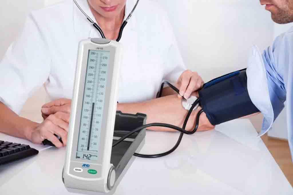 بهترین زمان و وضعیت اندازه گیری فشار خون  مرکز خدمات پرستاری پارسیان مهرپرور