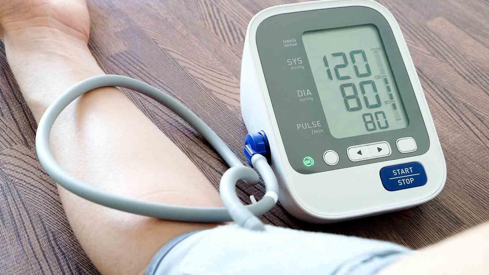 دستگاه دیجیتال اندازه گیری فشار خون  مرکز خدمات پرستاری پارسیان مهرپرور