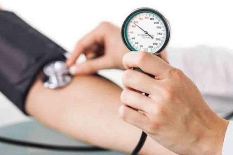 دستگاه عقربه ای اندازه گیری فشار خون | مرکزخدمات پرستاری پارسیان مهرپرور
