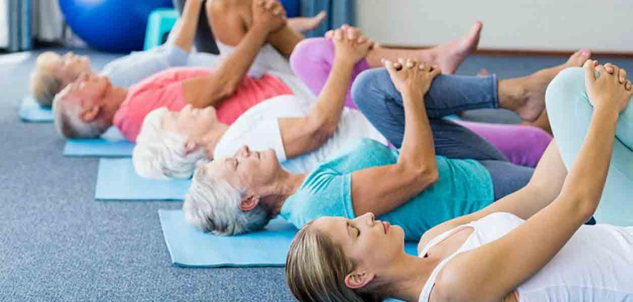 یوگا برای سالمندان|مرکز پارسیان مهرپرور