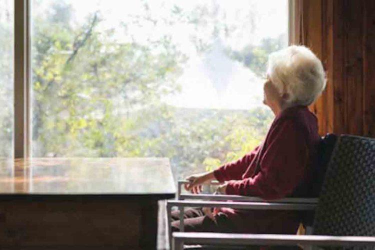 انزوا در سالمندان | مرکز خدمات پرستاری پارسیان مهرپرور