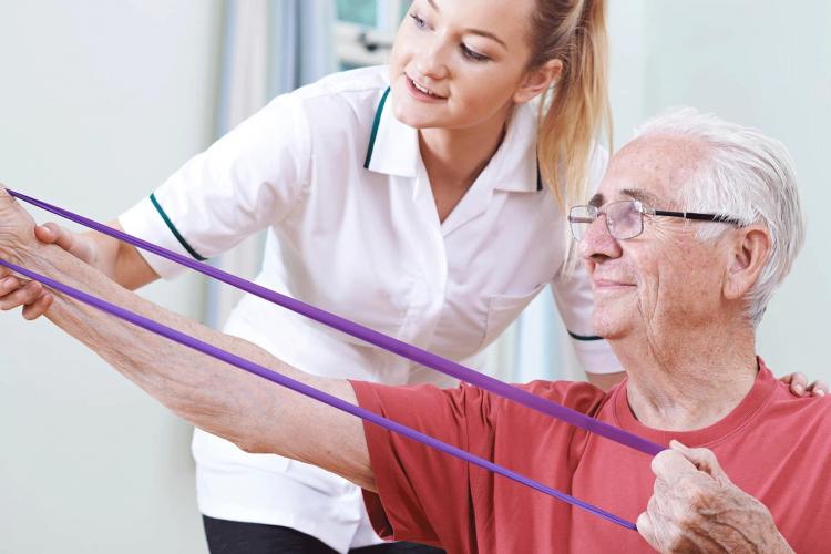توانبخشی سالمندان در منزل | مرکز خدمات پرستاری در منزل