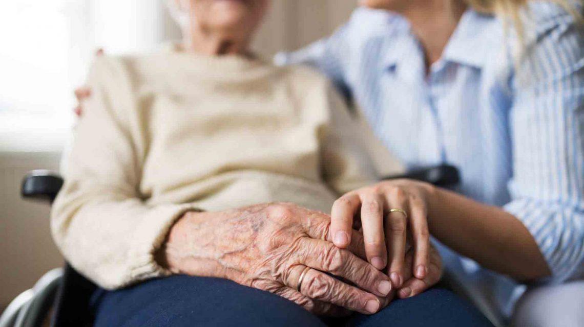 مراقبت از جسم و روح سالمند