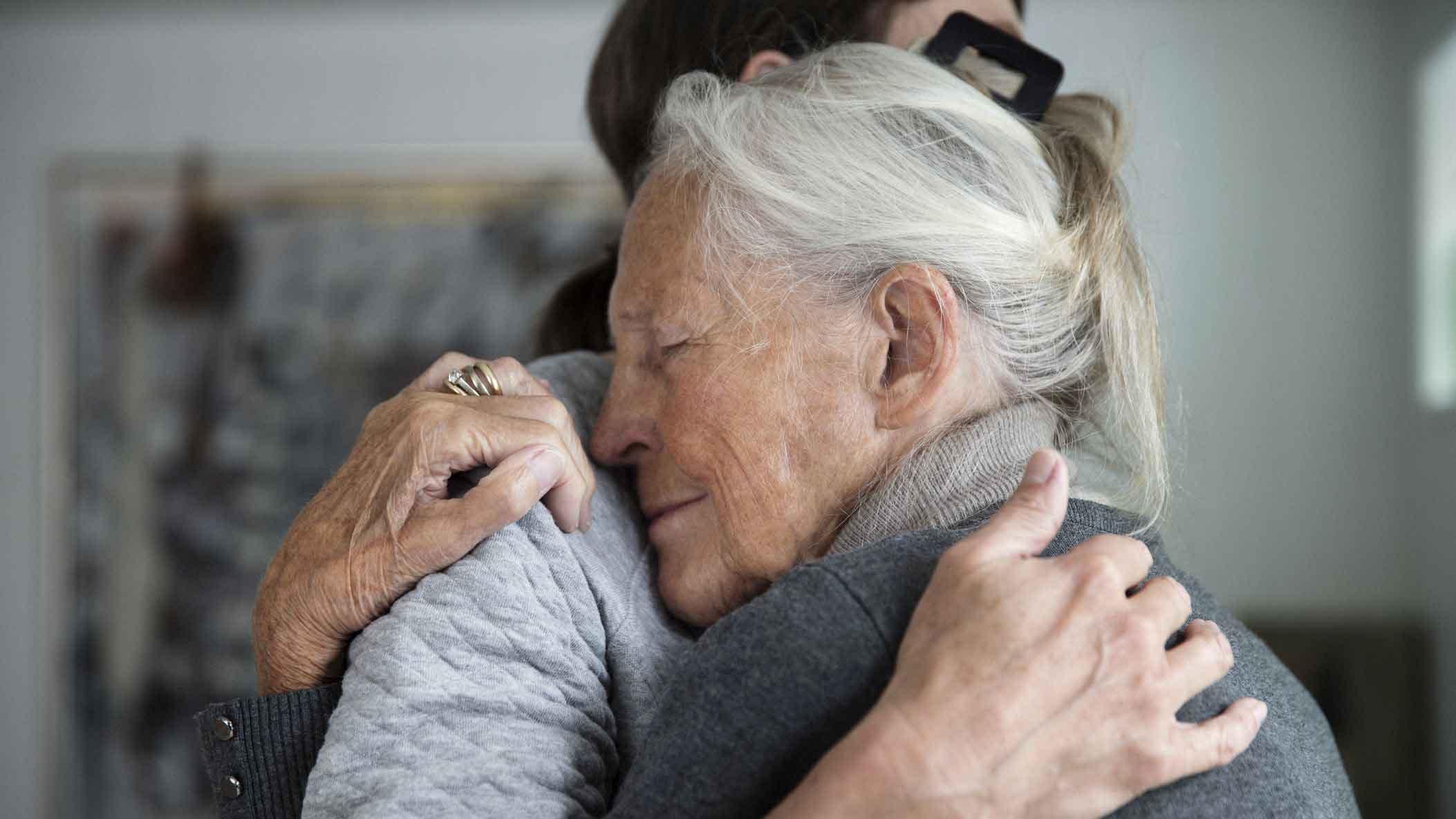 علت توهم در سالمندان | مرکز پارسیان مهرپرور