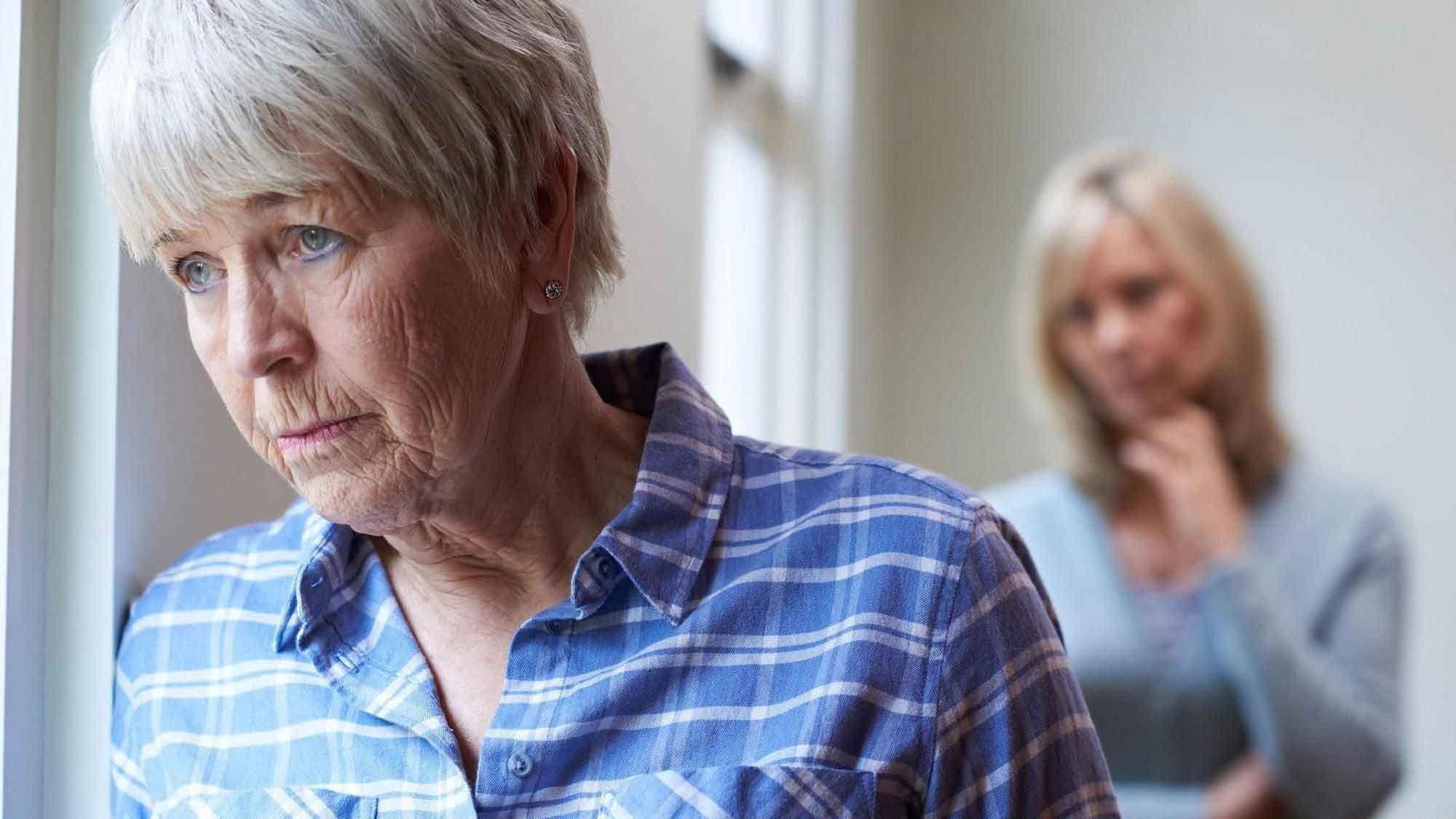 مشکل توهم در سالمندان | مرکز پارسیان مهرپرور