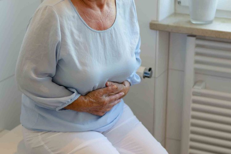 درمان یبوست شدید در سالمندان | مرکز پارسیان مهرپرور