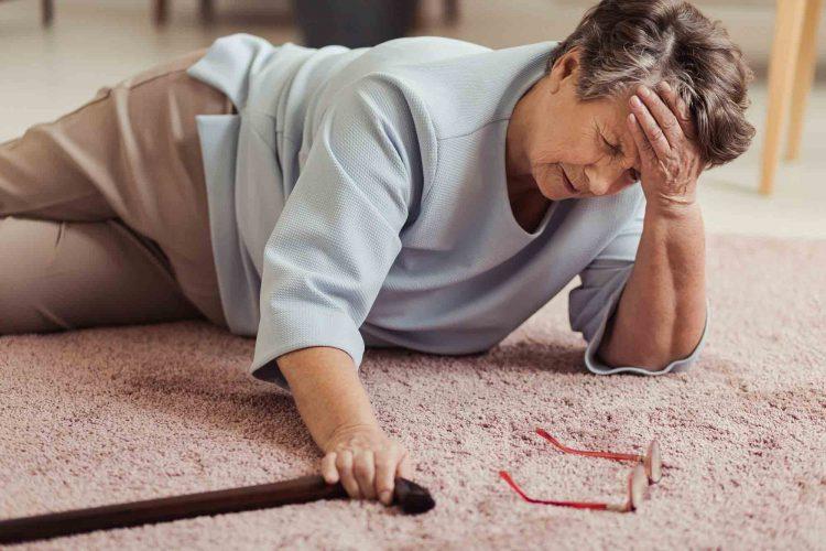 علت عدم تعادل در سالمندان|مرکز پارسیان مهرپرور