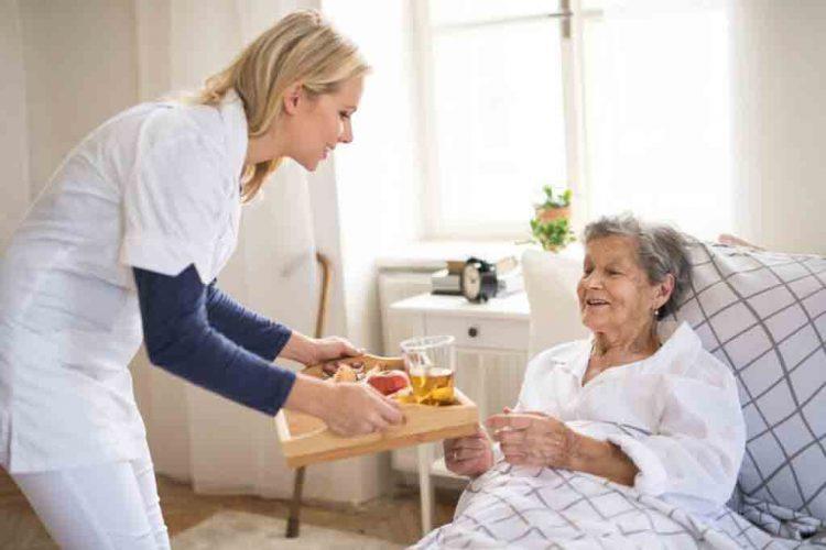 پرستاری از سالمندان بستری در منزل | مرکز خدمات پرستاری در منزل پارسیان مهرپرور