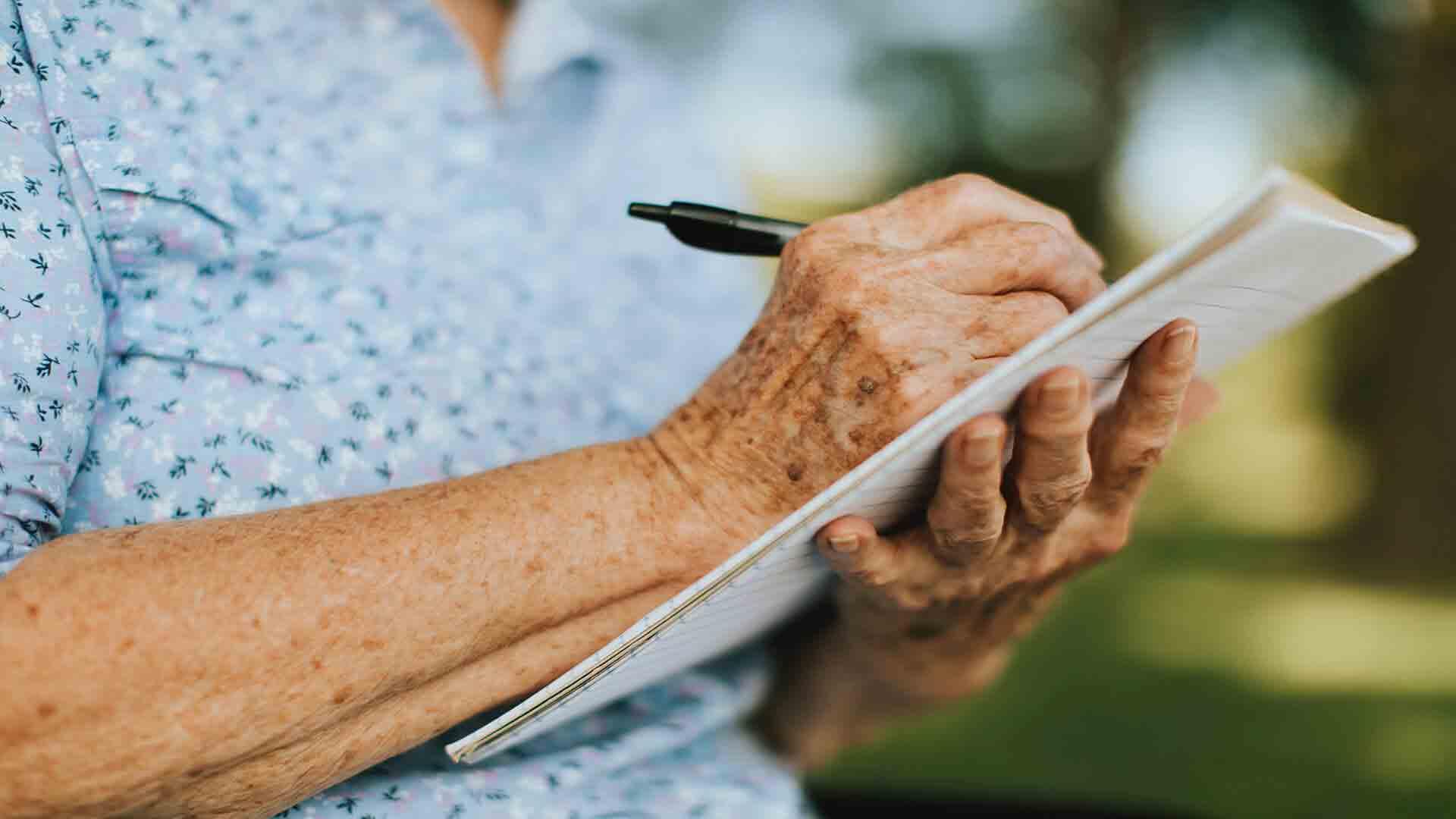 اختلال تکلم در سالمندان مرکز پارسیان مهرپرور
