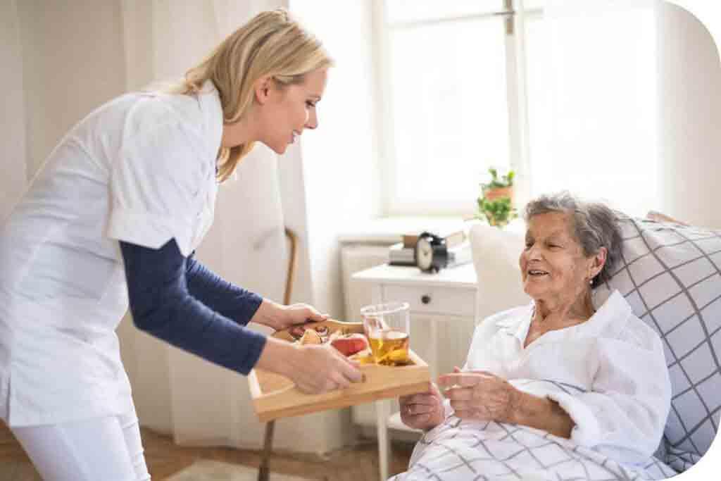 برنامه غذایی سالمندان | مرکز خدمات پرستاری پارسیان مهرپرور