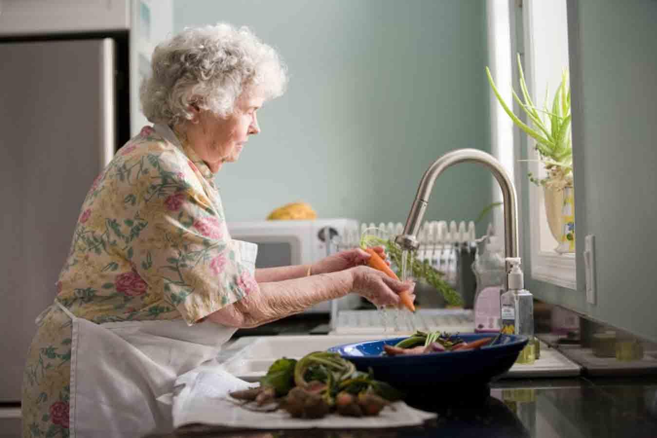 غذاهای مفید برای سالمندان | مرکز خدمات پرستاری پارسیان مهرپرور