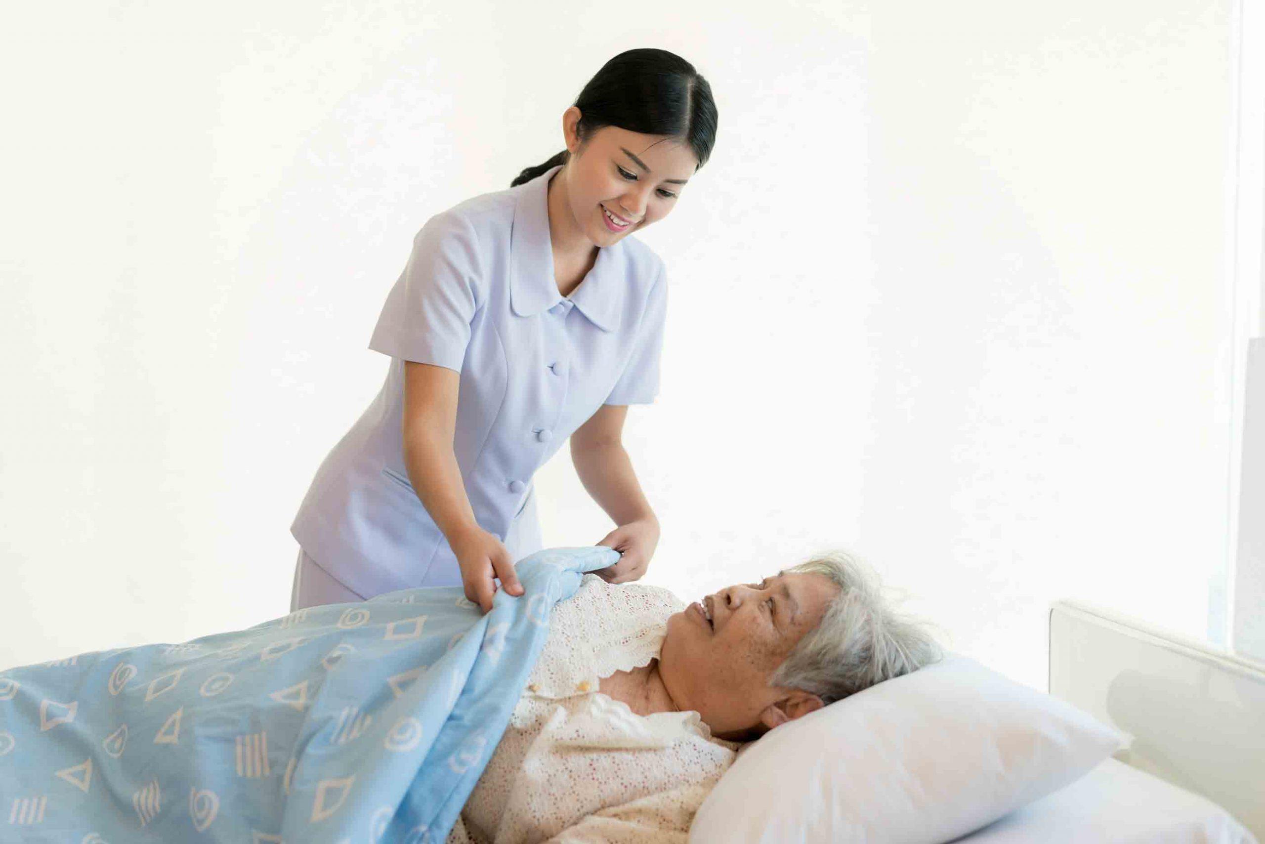 مراقبت و نگهداری از سالمندان در منزل | مرکز پارسیان مهرپرور