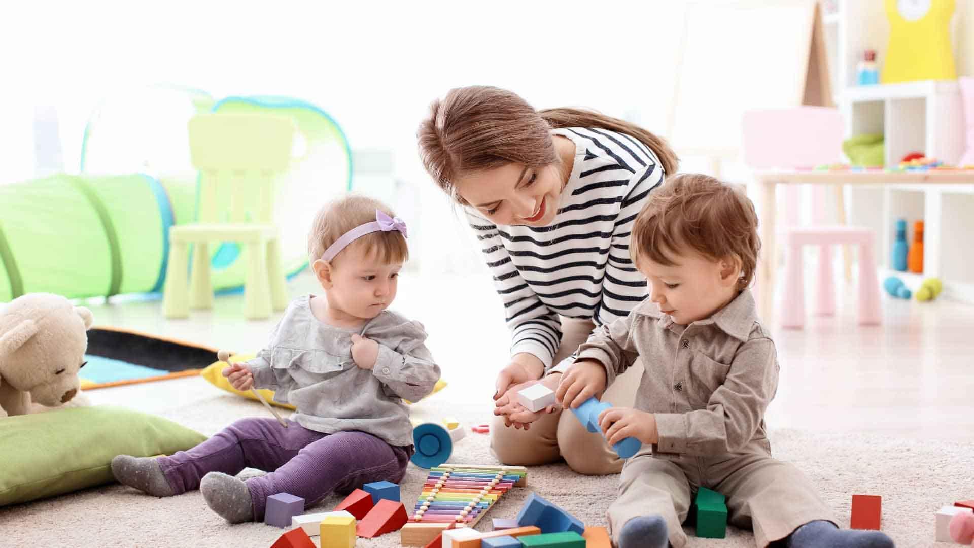 پرستار بچه در منزل | خدمات پرستاری پارسیان مهرپرور