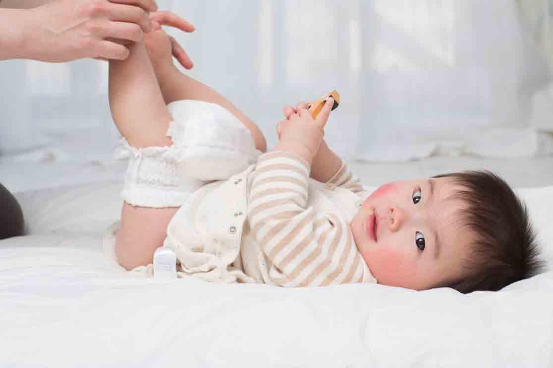 نحوه تعویض پوشک کودک | مرکز خدمات بالینی در منزل پارسیان مهرپرور
