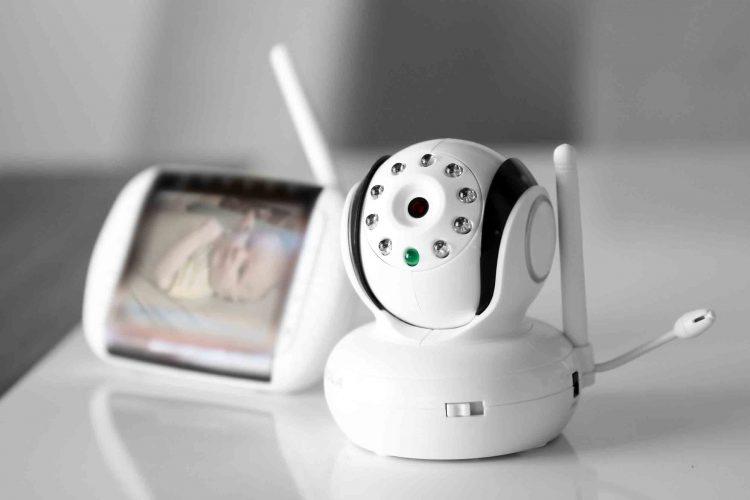 بهترین دوربین کنترل کودک | مرکز خدمات پرستاری پارسیان مهرپرور