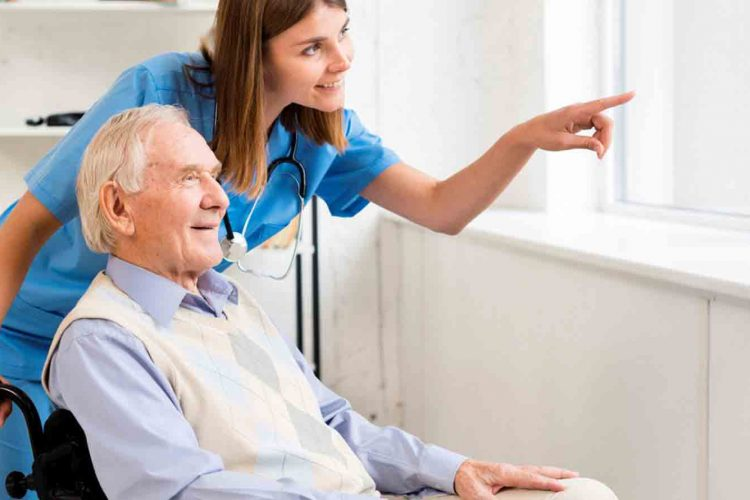 رفتار مناسب با سالمندان | مرکز پارسیان مهرپرور