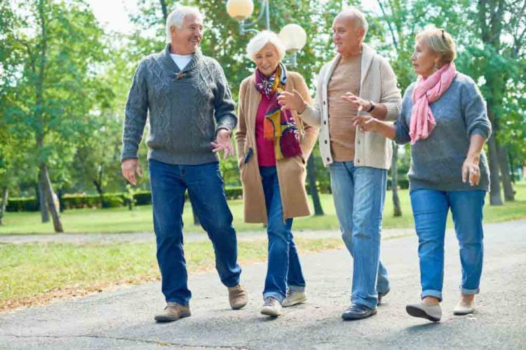 پیاده روی سالمند|مرکز پارسیان مهرپرور