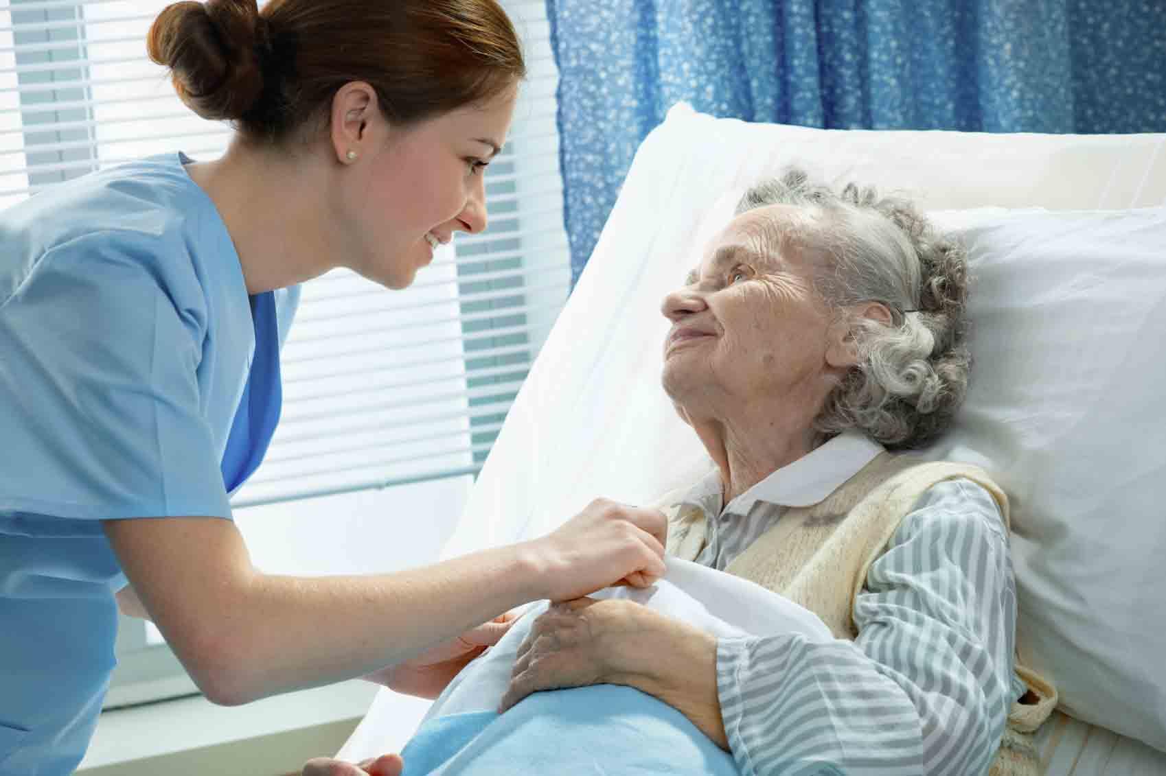 پرستار بیمار در منزل | مرکز پارسیان مهرپرور