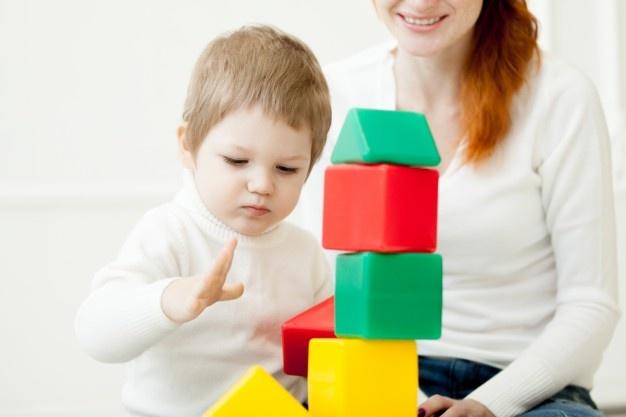 پرستار کودک و نوزاد در منزل | مرکز پارسیان مهرپرور