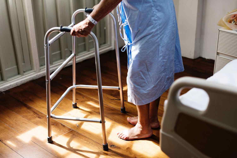 مبلمان ایمن برای سالمندان   مرکز خدمات پرستاری پارسیان مهرپرور